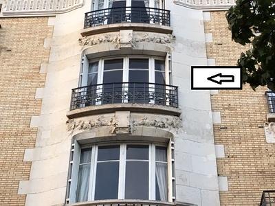 Rénovation à l''identique d''une fenêtre galbée en bois