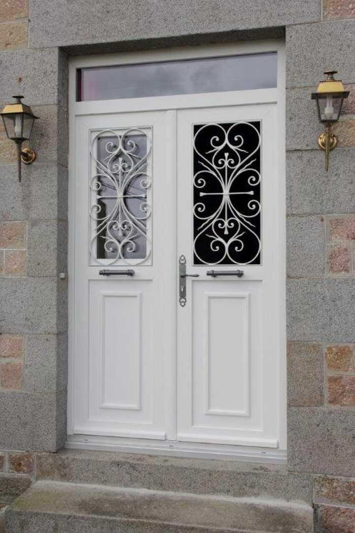 Porte sur-mesure PVC à deux vantaux égaux 0