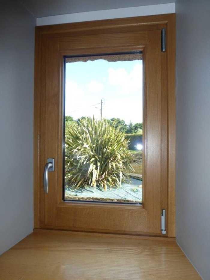 Réalisation d'' une fenêtre oscillo-battante sur mesure en bois 0