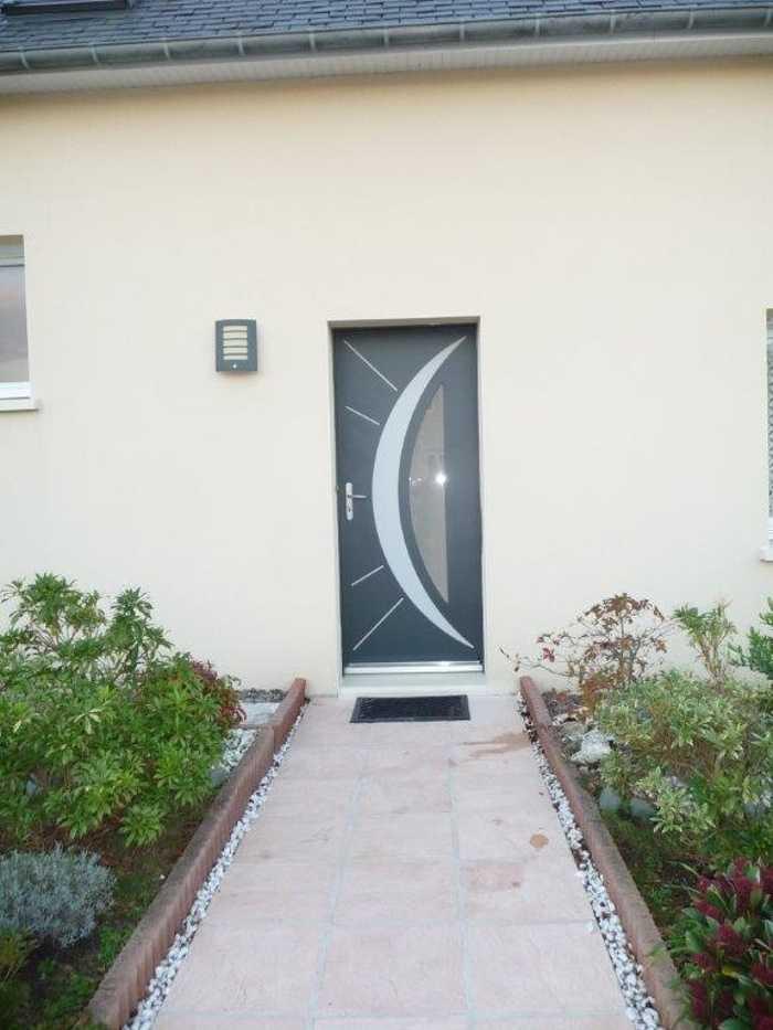 Réalisation d''une porte d''entrée sur mesure en mixte fundermax extérieure et bois intérieure 0