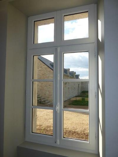 Réalisation d''une fenêtre en bois sur mesure