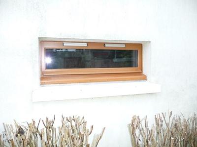 Réalisation d'' une fenêtre rectangulaire à soufflets sur mesure en bois