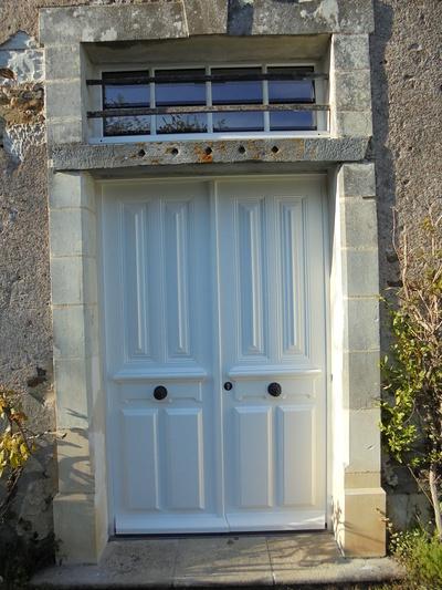 Réplique à l'identique porte d''entrée bois 2 vantaux et impostes