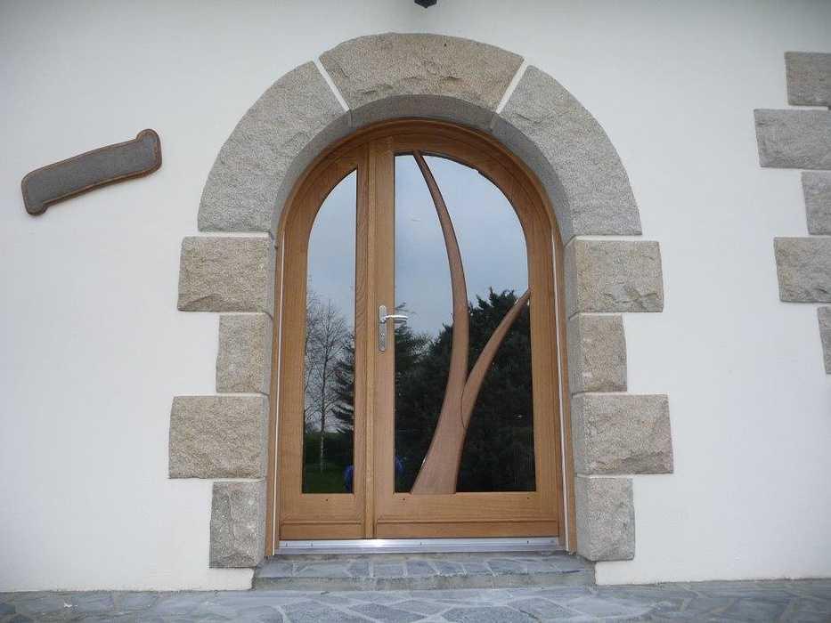 Réalisation d''une porte d''entrée tiercée en bois sur mesure 0