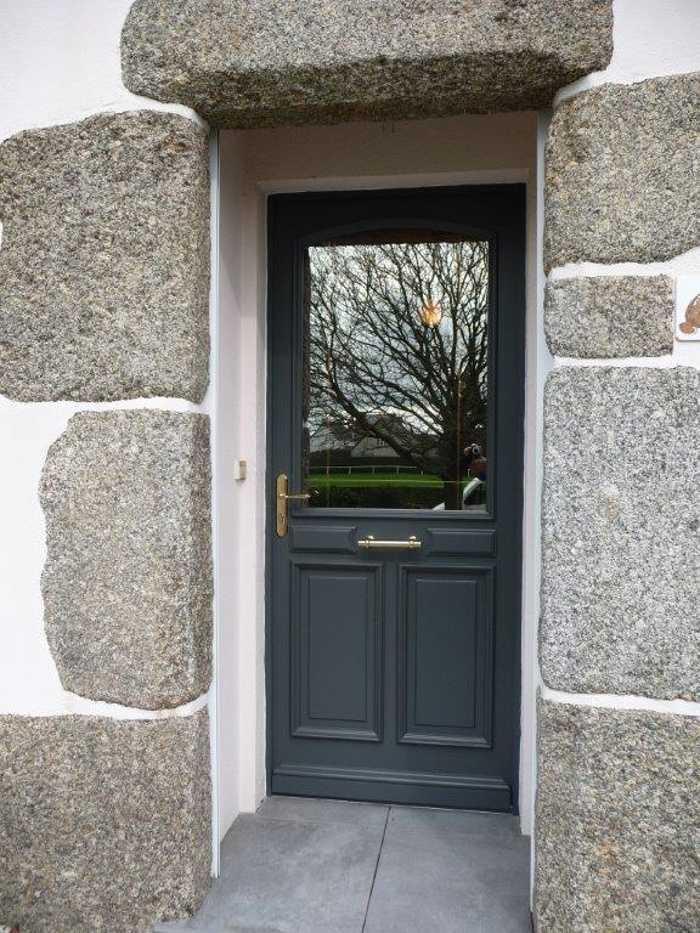 Réalisation d'' une fenêtre sur mesure en bois avec laiton et vitrage antelio 0
