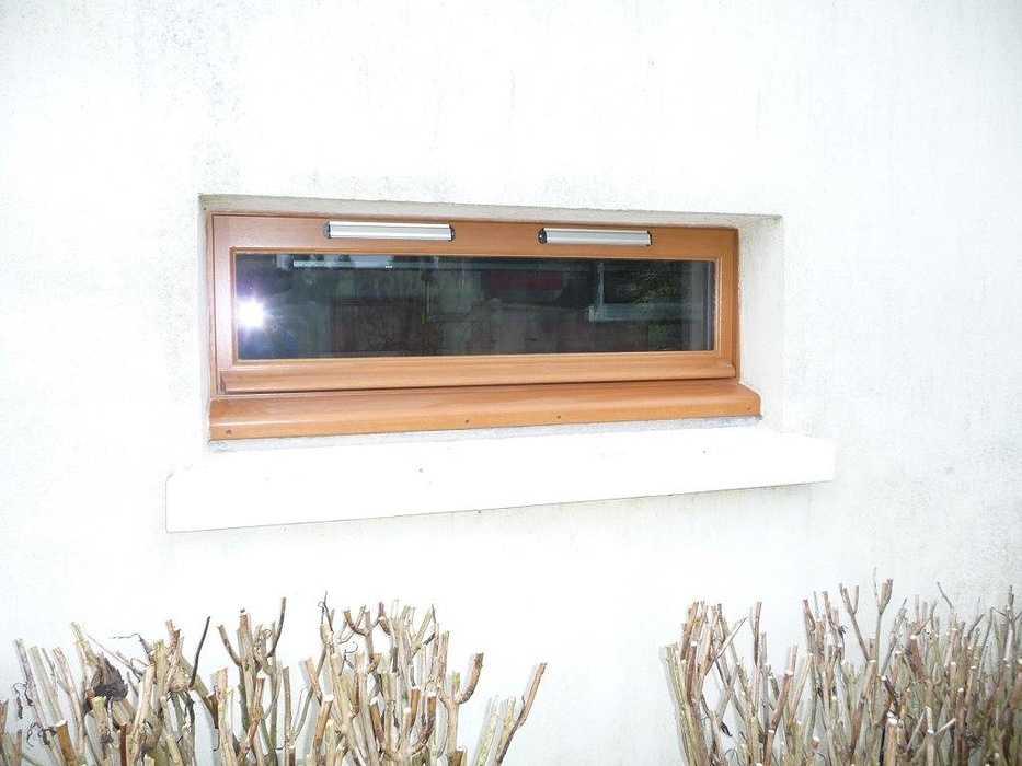 Réalisation d'' une fenêtre rectangulaire à soufflets sur mesure en bois 0