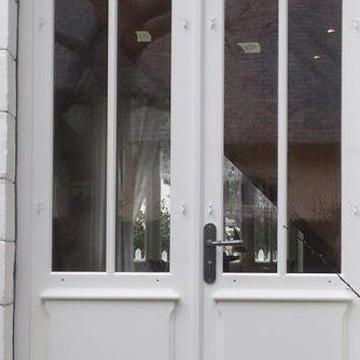 Réalisation d'' une porte fenêtre sur mesure en bois - Avant /après rouault1