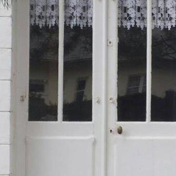 Réalisation d'' une porte fenêtre sur mesure en bois - Avant /après rouault2