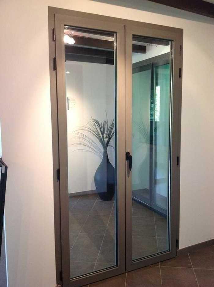 Réalisation d''une porte fenêtre sur mesure en aluminium 0