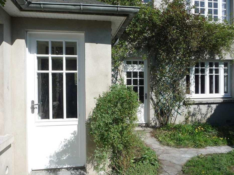 Réalisation de plusieurs portes-fenêtres et fenêtres sur mesure en bois 0