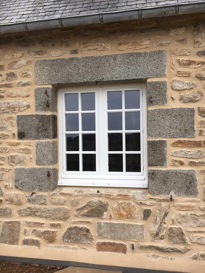 Réalisation d''une fenêtre sur mesure en bois 0