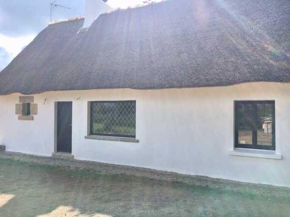 Menuiseries mixtes et menuiserie bois sur maison au toit de chaume img5820