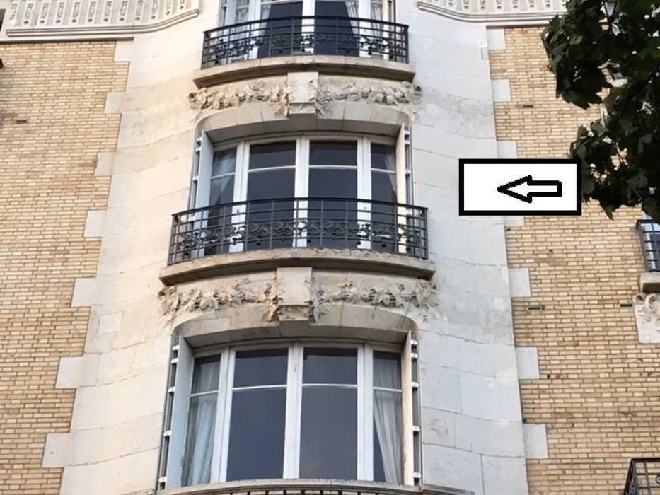 Rénovation à l''identique d''une fenêtre galbée en bois 0
