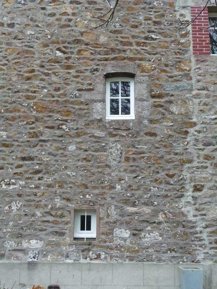 Rénovation deux fenêtres à l''identique en bois- 22 0