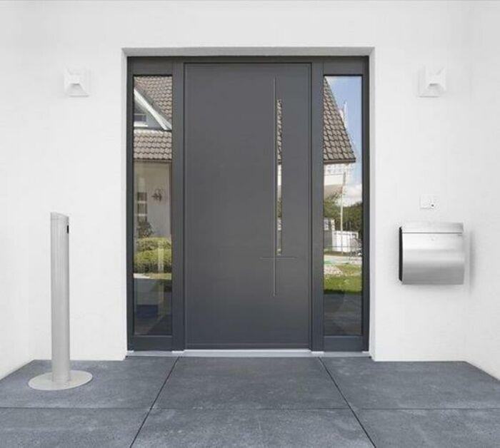 Création et installation d''une porte d''entrée sur mesure en aluminium - Saint-Quay-Portrieux 0