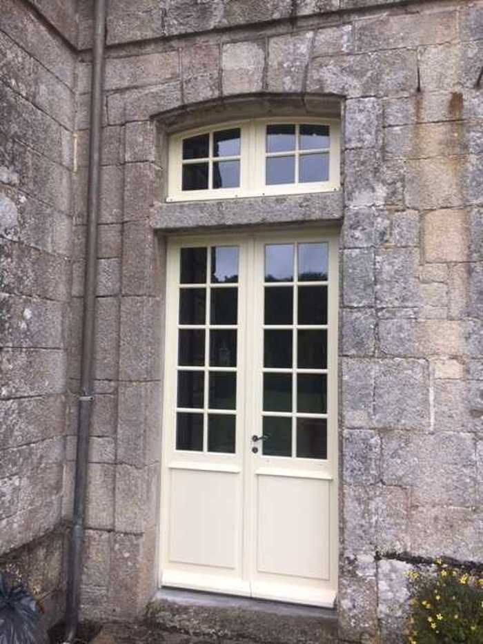 Rénovation fenêtres bois château classé aux monuments historiques - Quimper img9674